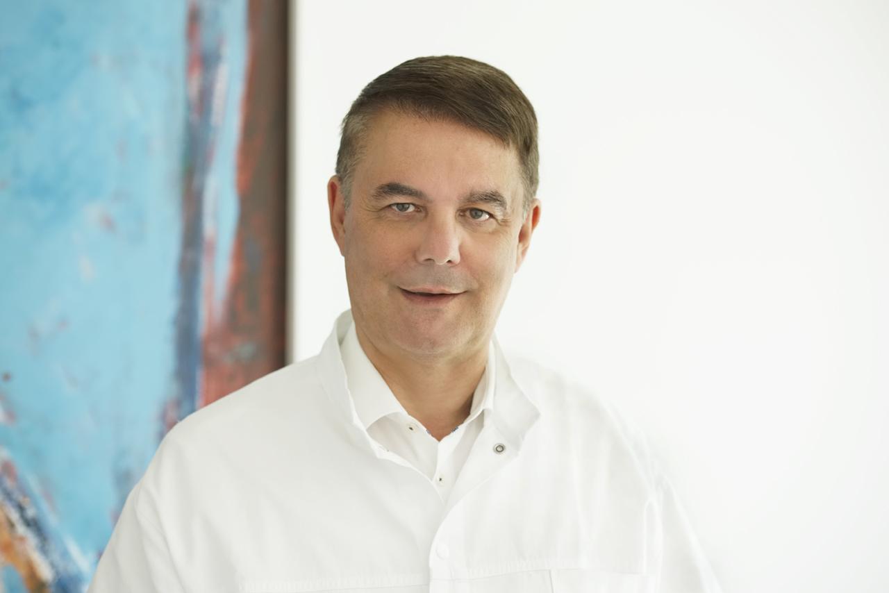Dr. Häfner